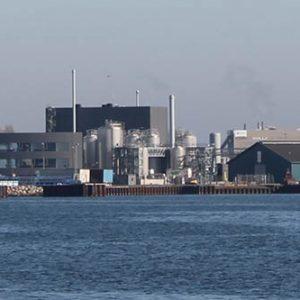 Industrihavn med virksomheder i Kalundborg